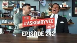 Tony Robbins, Unshakeable, Gratitude & Focusing on Your Steak   #AskGaryVee 242